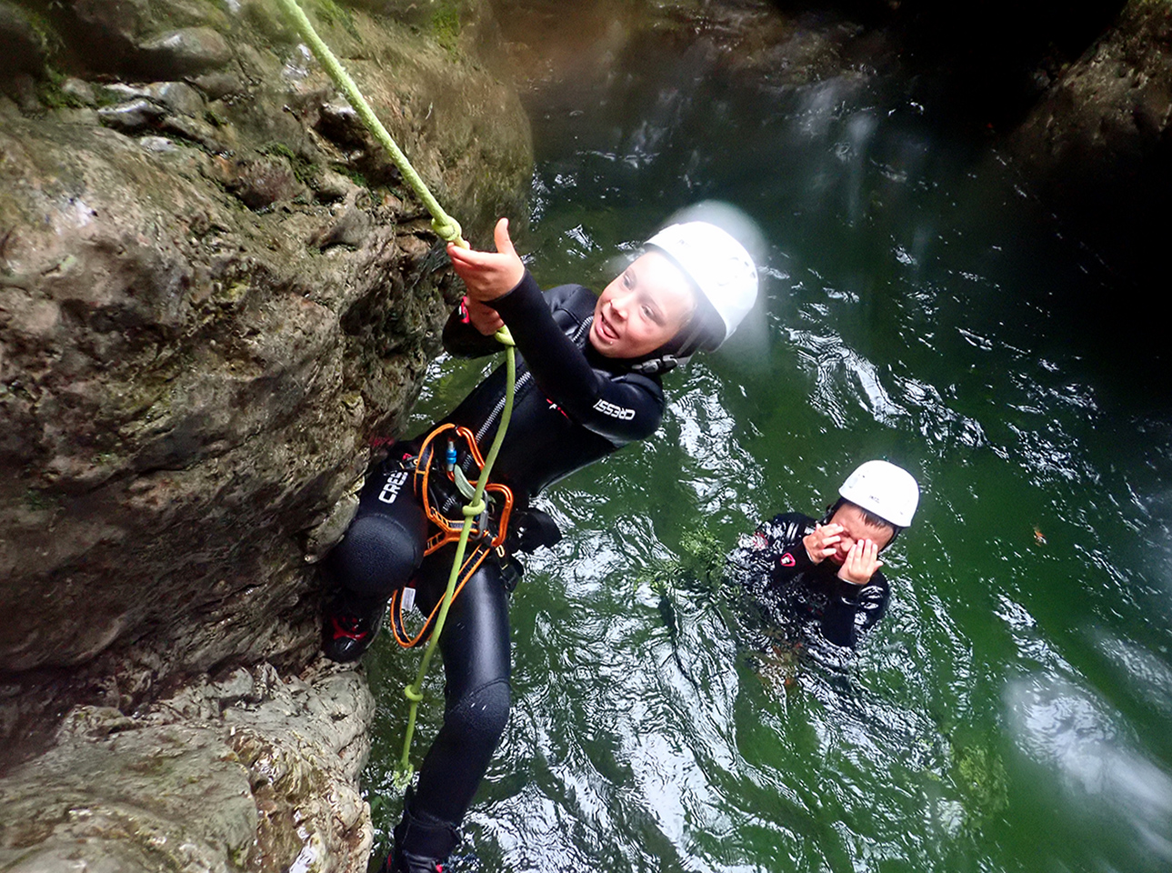 family-canyoning-bled