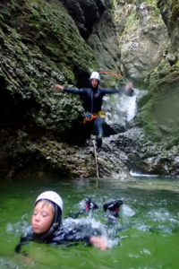 family-canyoning-bled-1