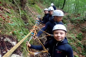 family-canyoning-bled-2