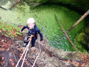 family-canyoning-bled-4
