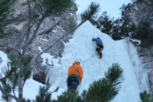 ice-climbing-julian-alps 3