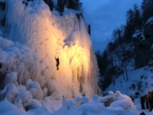 ice-climbing-julian-alps-night-climbing