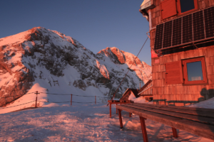 triglav-winter-climb-triglav-hut